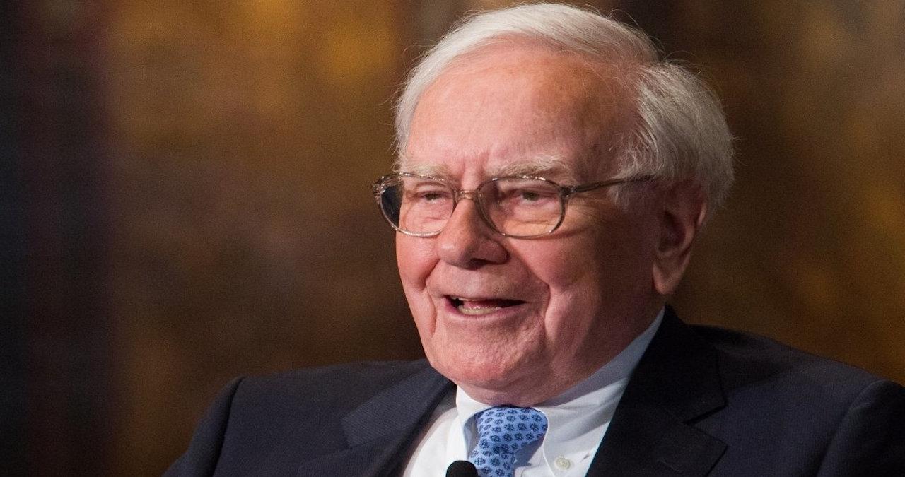 La posizione di Warren Buffett su azioni, obbligazioni, oro, contanti, beni immobili e crittovalute