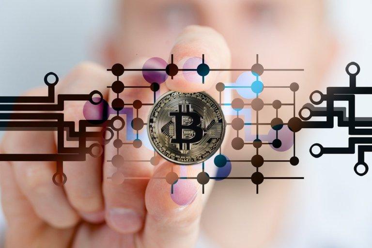 Bitcoin in una nuova vita (Tesla, Amazon, Apple e Alphabet)