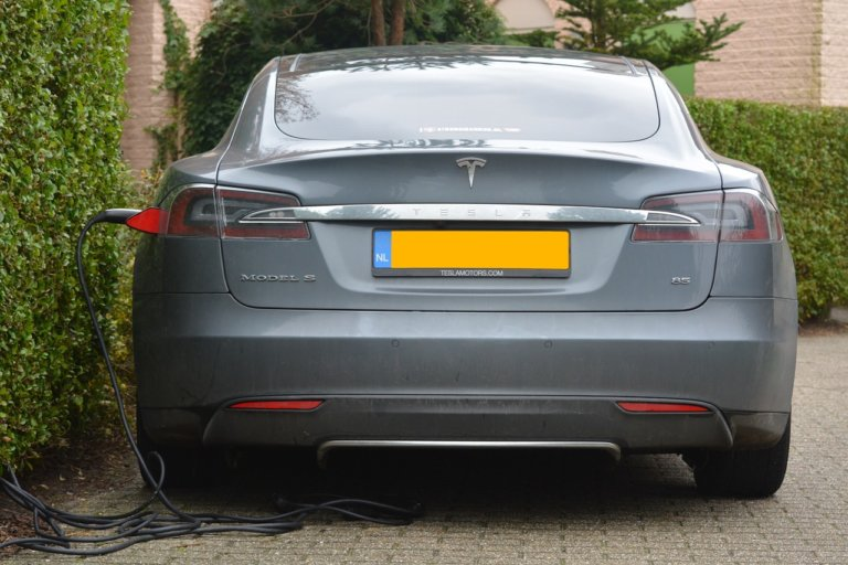 Tesla e il problema green regulatory credits (delle altre)