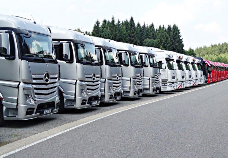 Daimler pensa allo spin-off dei camion
