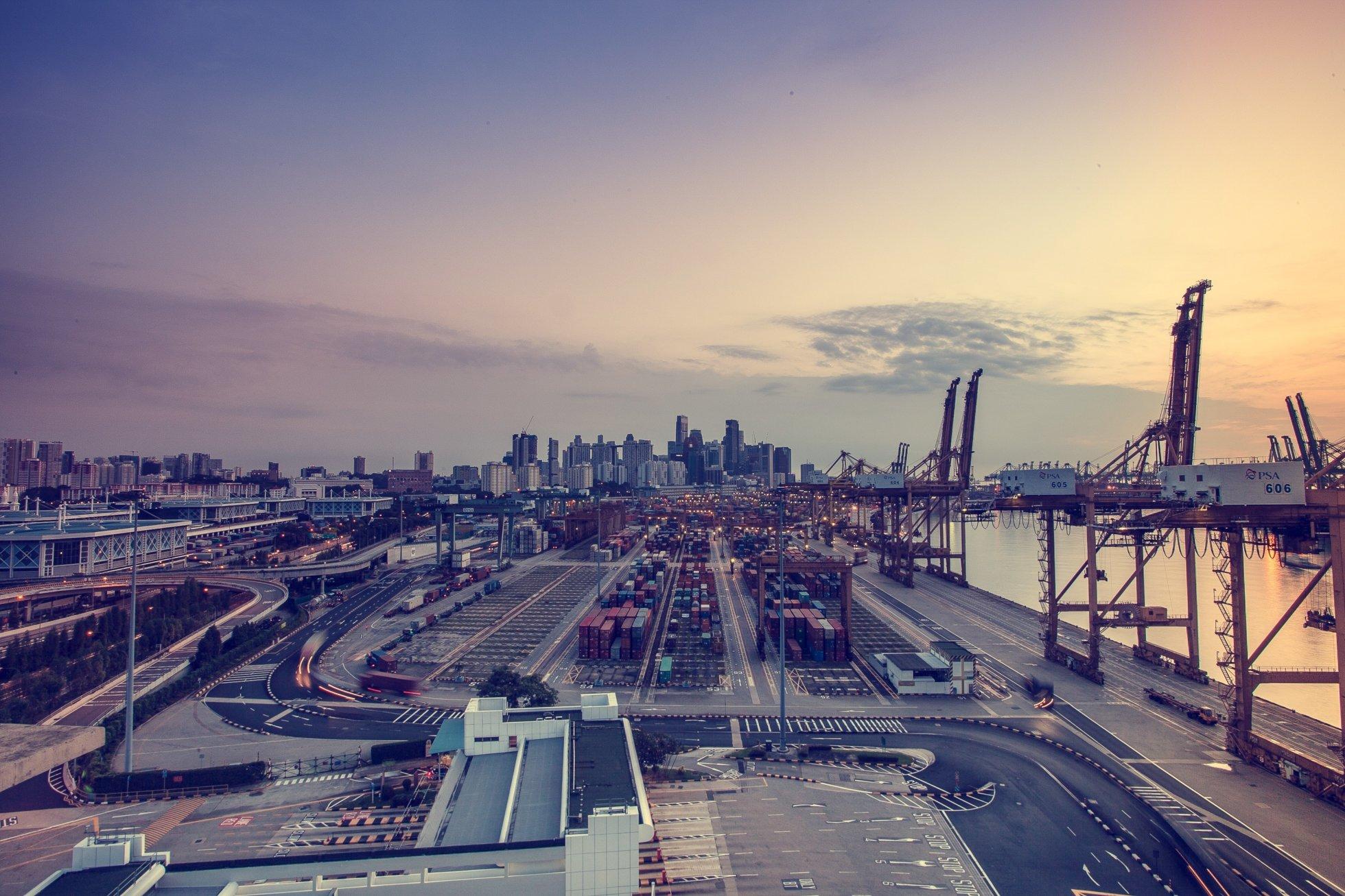 Azioni di sistemi industriali, come investire nel mercato industriale per eccellenza