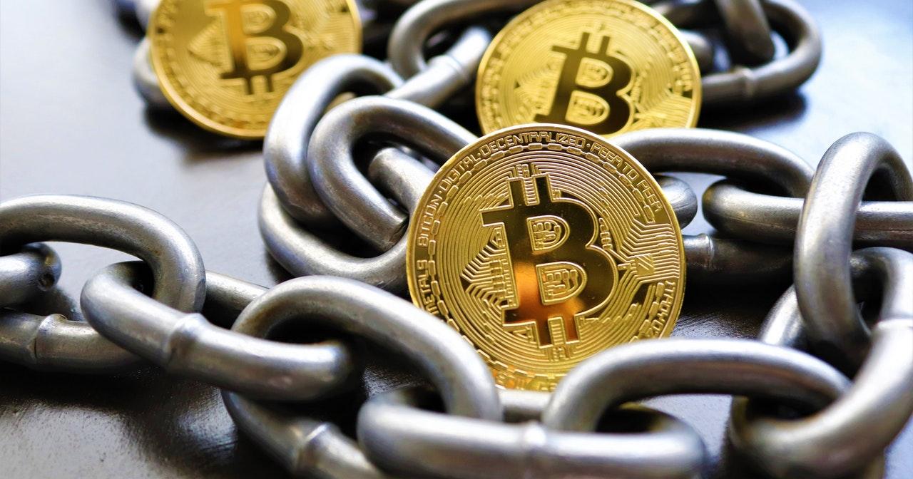 Read more about the article Azioni Blockchain, come investire nel futuro delle transazioni distribuite