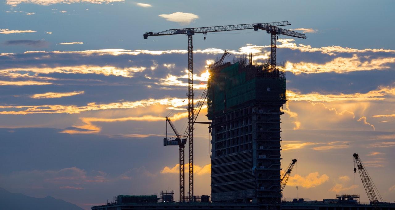 Investire nelle azioni di edilizia, come guadagnare con il mercato delle costruzioni