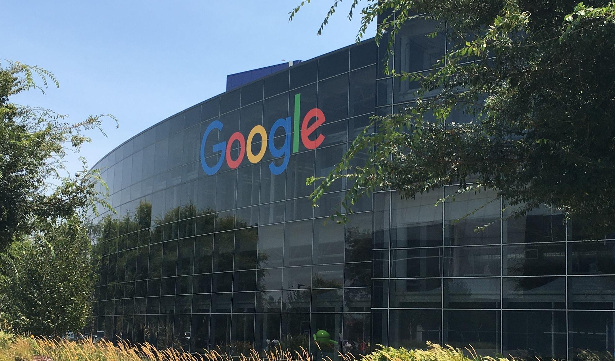 Read more about the article Come guadagna Google? Chi paga i servizi di Alphabet?